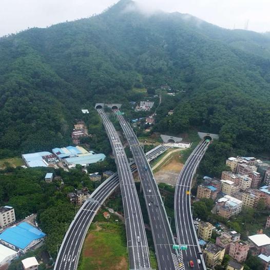 广州凤凰山隧道照明项目